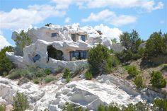 Casa camuflada fica no Novo México.