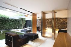 Contemporary-Property-Athens-Greece-08 - http://www.adelto.co.uk/the-luxurious-h-2-residence-greece/#