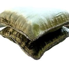 16x16 Decorative Olive Green Sofa Cushion Cover   Etsy Green Pillow Cases, Green Pillows, Velvet Pillows, Throw Pillow Cases, Velvet Couch, Couch Cushion Covers, Cushions On Sofa, Pillow Covers, Sofa Bed