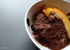 Csicseriborsóléből fincsi vegán csoki fagyi Ice Cream, Vegan, Chocolate, Desserts, Food, No Churn Ice Cream, Tailgate Desserts, Deserts, Icecream Craft