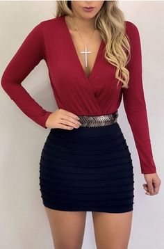 Body Évelyn Body Évelyn - Long sleeve body with adjustable deep neckline without bulge. Body - body long sleeve - body low neck - body neckline - black body - black - clothes - look - fashion - women Cute Skirt Outfits, Girly Outfits, Cute Casual Outfits, Sexy Outfits, Chic Outfits, Sexy Dresses, Fall Outfits, Fashion Outfits, Fashion Fashion