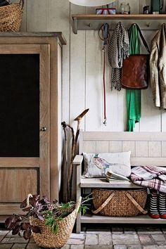 Embrace the eccentricity that's the hallmark of British country style with a mix…