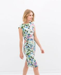 Image 4 of BOAT NECK DRESS WITH FLUTTER SLEEVES from Zara