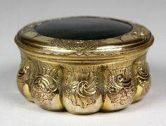 A Superb George III Gilt Metal and Bloodstone Snuff Box