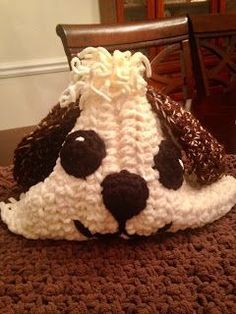 The Perfect Stitch...: Crochet My Puppy Blanket/Pillow...FREE PATTERN Crochet Cow, Free Crochet, Crochet Heart Blanket, Crochet Afghans, Hooded Blanket, Crochet Scarves, Animal Pillows, Baby Blankets, Baby Things