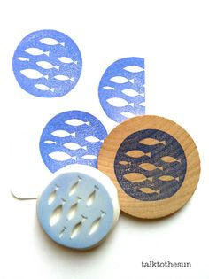 fish rubber stamp circle rubber stamp. designed and hand carved by talktothesun. available at www.talktothesun.etsy.com