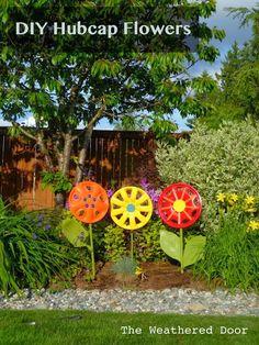 Diy Projects: DIY Hubcap Flowers