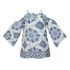 Muestra tus hombros con la blusa Zoara de aplicaciones étnicas y luce súper trendy.  #outfitspring #ethnicstyle #trendywomen