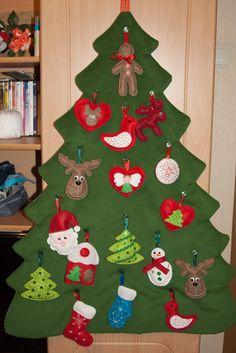 фетровая елка в фетровых игрушках:) По ссылке много подробных фоток