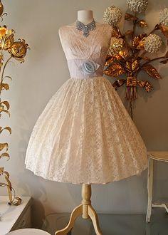 Fun light pink Vintage Dress!