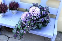Funeral Flower Arrangements, Funeral Flowers, Flower Aesthetic, Aesthetic Images, Flower Art Images, Casket Sprays, Sympathy Flowers, Wedding Table Flowers, Black Flowers