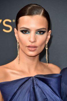9 Ways Celebs Make Basic Eyeliner Look Totally Badass +#refinery29