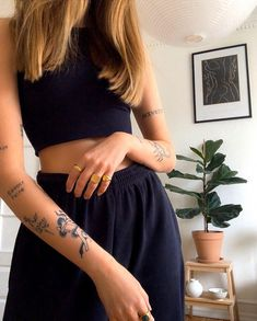 Frederik IX Studios is a Danish jewellery brand inspired by King Frederik IX. We create elegant and massive handmade jewellery using only the best materials. Dainty Tattoos, Dope Tattoos, Pretty Tattoos, Mini Tattoos, Body Art Tattoos, Small Tattoos, Tatoos, Rebellen Tattoo, Piercing Tattoo