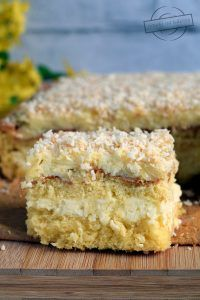 Krispie Treats, Rice Krispies, Cakes, Food, Recipes, Gastronomia, Raffaello, Cake Makers, Kuchen