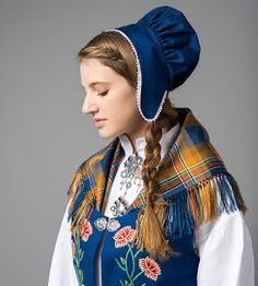 Hello all, Part three of this overview is forthcoming. I was asked about the costumes of Trondelag, and so I wrote this one fi. Folk Costume, Costumes, Norwegian Clothing, Costume Ethnique, Character Inspiration, Character Design, Chivalry, Magic Carpet, Drawing Clothes