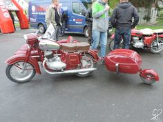 Jawa Velorex Sidecar And Pav Trailer Custom Motorcycles, Cars And Motorcycles, Side Car, Red Motorcycle, Bike Engine, Vintage Bikes, Cool Bikes, Motorbikes, Harley Davidson