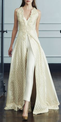 The essence of the Bridal lehenga Store is perpetual storytelling. Also, Worldwide Shipping is available. Indian Dresses, Indian Outfits, Wedding Pants, Pant Suits For Wedding, Bridal Jumpsuit, Evening Dresses, Formal Dresses, Elegant Outfit, Indian Designer Wear