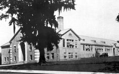 Florida Memory - Lincoln High School at 438 West Brevard Street - Tallahassee, Florida State Of Florida, Tallahassee Florida, School S, High School, Back To School Newsletter, Bus Boycott, At Rt, Bay County, History Education