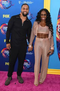 Teen Choice Awards: Men's Fashion — See The Red Carpet's Hottest Hunks Cute Celebrity Couples, Wwe Couples, Interracial Couples, Stylish Clothes, Stylish Outfits, Roman Reigns Family, Naomi Wwe, Trinity Fatu, Wwe Pictures