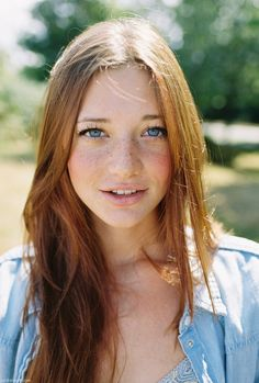Ginger hair + blue eyes + freckles = PERF.