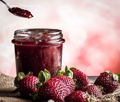 Konfitura z truskawek Polish Recipes, Polish Food, Mason Jars, Strawberry, Fruit, Cooking, Foods, Cakes, Kitchen