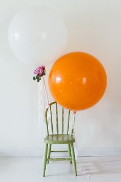 Styled by Mandy Forlenza Sticos - Photography by Fallon Chan - as seen on Best Friends for Frosting  5 Ways to Perfectly Style Your Next Party:  Large Balloons!