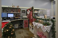 christmas office decorating. Christmas Office Cubicle Decorating Contest, Love The Fireplace  Construction! Christmas Office Decorating P