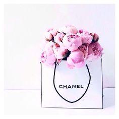 peony blooms #chanel #peonies