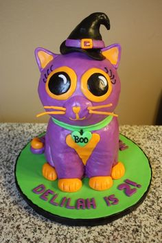 "Kitty Cat Cake My daughter LOVES cats, and her favorite stuffed animal right now is a big-eyed Halloween-themed kitty that she named "". Halloween Birthday Cakes, Birthday Cake For Cat, Baby Birthday, Halloween Treats, Halloween Party, Birthday Ideas, Halloween Stuff, Birthday Parties, Gorgeous Cakes"