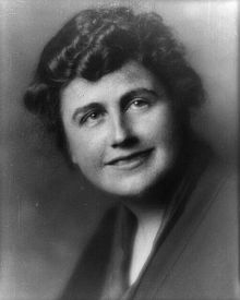 """Edith White Bolling Galt Wilson (October 15, 1872 — December 28, 1961), second wife of U.S. President Woodrow Wilson, was First Lady of the United States from 1915 to 1921. She has been labeled """"the Secret President"""" and """"the first woman to run the government"""" for the role she played after her husband suffered a severe stroke in October 1919.[1] She has also been called """"the first female president of the United States."""