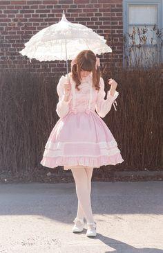 Cute Kawaii Lolita Dress / Lolita Girl / Fashion Photography / Cosplay  // ♥ More at: https://www.pinterest.com/lDarkWonderland/