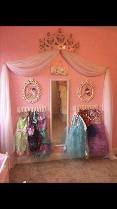 kids closet organization Trendy Kids Closet Organisation Spielzeug Dress Up Ideen # Schrank Toddler Princess Room, Disney Princess Bedroom, Disney Bedrooms, Princess Closet, Princess Bedrooms, Princess Beds, Princess Curtains, Princess Room Decor, Princess Theme