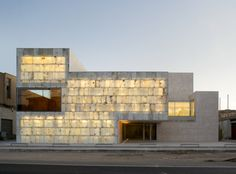 magen arquitectos - administrative regional centre for the development of local alabaster, spain Tropical Architecture, Architecture Images, Facade Architecture, Beautiful Architecture, Landscape Architecture, Origami Architecture, Architect Sketchbook, Stone Facade, House Deck