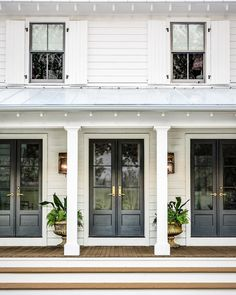 Farmhouse Exterior Design Ideas - The farmhouse exterior design completely reflects the entire style of your house as well as the household tradition also. The modern farmhouse style is not only for. House Design, Farmhouse Front Porches, House, French Doors, House Front, Exterior Design, New Homes, Modern Farmhouse Exterior, Exterior Doors