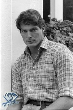 Christopher Reeve's Life & Career Gallery Superman Actors, Superman Art, World Icon, Christopher Reeve, Best Selling Books, Comic Book Characters, Film Director, Retro, Beautiful Boys