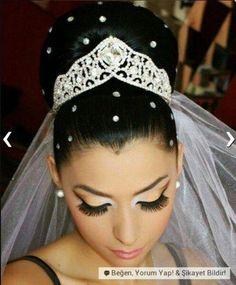 33 Ideas wedding hairstyles african american black bride makeup for 2019 Wedding Hairstyles Half Up Half Down, Wedding Hairstyles With Veil, Wedding Hair Down, Bride Hairstyles, Wedding Wear, Dress Hairstyles, Wedding Updo, Trendy Wedding, Natural Wedding Makeup