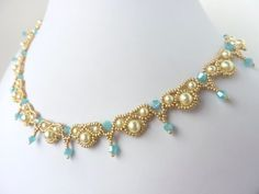 FREE beading pattern for elegant Palace Pearls necklace, made from 11/0 seed beads, 4mm and 6mm pearls, and 4mm bicone crystals.