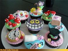 Funny Food Photos - Alice in Wonderland Cupcakes