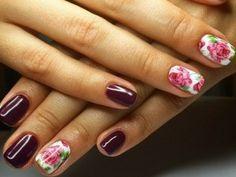 Manicura floral o de flores para primavera