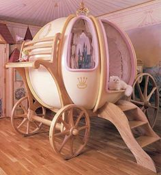 If I Was A Rich Girl: Fantasy Coach Bed  Oh, this is gorgeous!