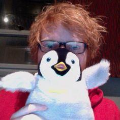 Ed sheeran and Luke <<< LOL Pinterest: @KitsuneSpirit7