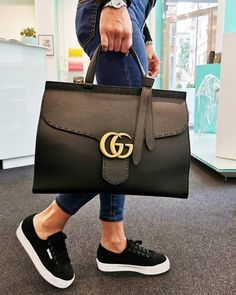 replica handbags, louis vuitton bag replica, chanel bag replica, dior replica, h. Burberry Handbags, Chanel Handbags, Vuitton Bag, Louis Vuitton, Second Hand Kleidung, Chanel Purse, Chanel Bags, Gucci Bags, Sacs Louis Vuiton