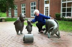 PigletStatue 500x332 The Complete Listing of All Public Childrens Literature Statues in the United States
