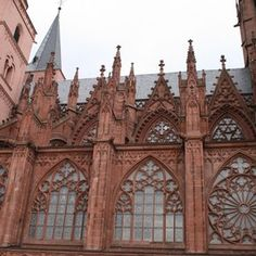 South side of the nave of the Church of St Catherine, Oppenheim, Germany, begun after 1317. Photograph by Sylvia Boettinger.