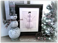 3D Framed Paper Snowman - Easy DIY winter craft & decor | sweetlittlebluebird.com