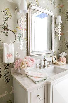 Sweetest little powder bath with swan wallpaper. Design by Clary Bosbyshell Swan Wallpaper, Bathroom Wallpaper, Bad Inspiration, Bathroom Inspiration, Best Interior Design, Bathroom Interior Design, Bathroom Designs, Design Interiors, Interior Exterior