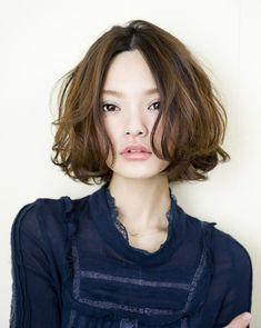 Asian short hair · oh my.i think i want to chop my hair like Asian Short Hair, Short Wavy Hair, Asian Hair, Wavy Lob, Short Perm, Curly Bob, Tousled Bob, Short Pixie, Long Curly