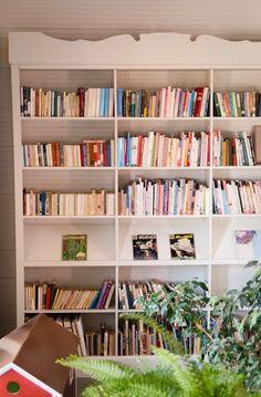 Bookcase-molding