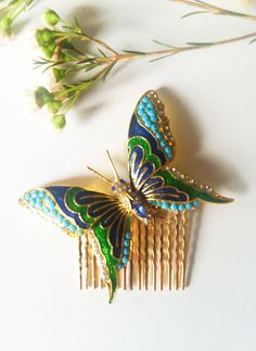 9.11.12: I have been going antique hair comb crazy today! There is nowhere that seems to sell them!