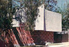 Vista a la calle,  Casa en Coyoacán, calle Salvador Novo 151, Santa Catarina, Coyoacán, México, DF 1962   Arq. Luis N Rubalcava -  Street view of a house in Coyoacan, Santa Catarina, Coyoacan, Mexico CIty 1962